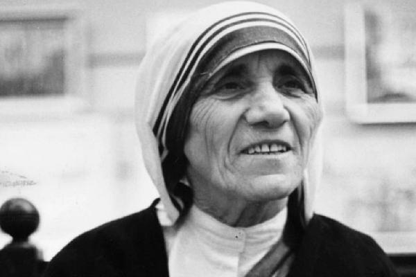 Mother Teresa Essay in English